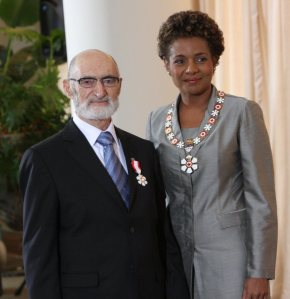 Dr.Henry Morgentaler receiving the Order of Canada from the Governor General Michaelle Jean. The ceremony took place at the Citadelle in Quebec City.